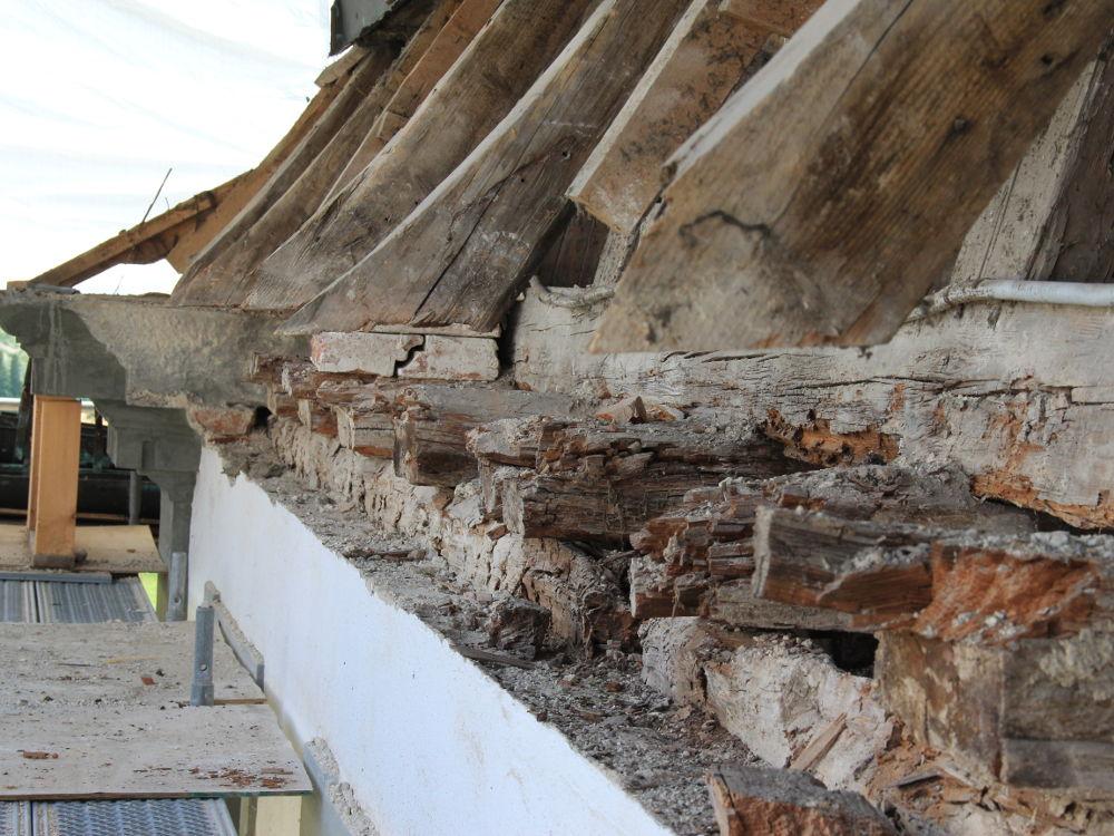 Sanierungsarbeiten Mansarddachkonstruktion Schloß Salem