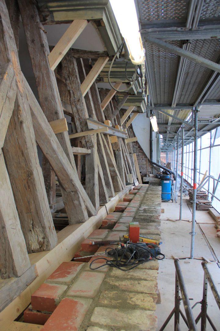 Sanierungsarbeit Dachgeschoss Kloster Salem